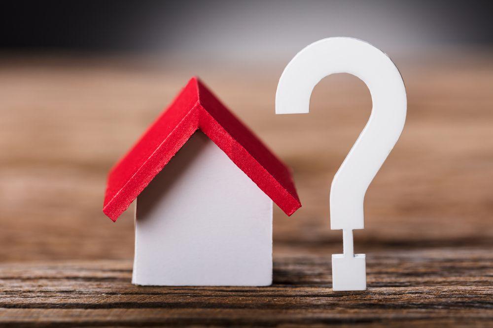 転勤が決まったら不動産は売るべき?貸すべき?